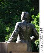Купить «Памятник графу Румянцеву, в парке города Гомеля», фото № 327914, снято 18 июня 2008 г. (c) Михаил Ковалев / Фотобанк Лори