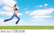 Купить «Девушка парящая над землей», фото № 330034, снято 18 мая 2008 г. (c) Вадим Пономаренко / Фотобанк Лори