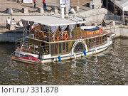 Купить «Фестиваль яхт. Яхта, стилизованная под старый колесный пароход», фото № 331878, снято 21 июня 2008 г. (c) Эдуард Межерицкий / Фотобанк Лори