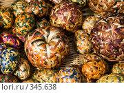 Купить «Плетеные сувениры», фото № 345638, снято 10 мая 2008 г. (c) Бутенко Андрей / Фотобанк Лори