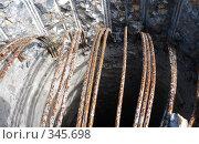 Купить «Погнувшаяся арматура», фото № 345698, снято 5 июля 2020 г. (c) Ivan Markeev / Фотобанк Лори