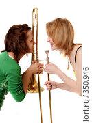 Купить «Две веселые девчонки с тромбоном», фото № 350946, снято 9 мая 2008 г. (c) Варвара Воронова / Фотобанк Лори