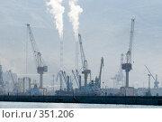 Купить «Утренний туман в порту города Новороссийска», фото № 351206, снято 3 июля 2008 г. (c) Федор Королевский / Фотобанк Лори
