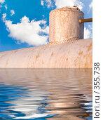Купить «Фантастическая подводная лодка», фото № 355738, снято 11 сентября 2006 г. (c) Анатолий Заводсков / Фотобанк Лори