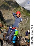 Купить «Девушка альпинистка, надевающая шлем», фото № 392754, снято 20 июля 2008 г. (c) Максим Горпенюк / Фотобанк Лори
