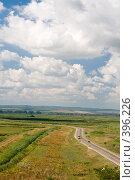 Купить «Летний пейзаж. Кубанские просторы под голубыми небесами и красивыми облаками», фото № 396226, снято 7 августа 2008 г. (c) Федор Королевский / Фотобанк Лори