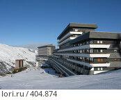 Купить «Известный отель-корабль, Менюир, Три, долины, Франция», фото № 404874, снято 31 января 2008 г. (c) Fro / Фотобанк Лори