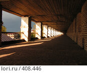 Купить «Кирилло-Белозерский монастырь. Прогулка по стене», фото № 408446, снято 11 сентября 2004 г. (c) Михаил Мозжухин / Фотобанк Лори
