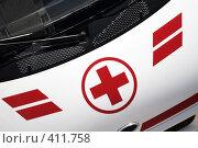 Купить «Красный крест на машине скорой помощи», фото № 411758, снято 30 марта 2007 г. (c) A Челмодеев / Фотобанк Лори