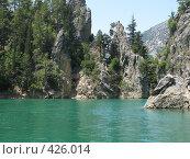 Пресноводное озеро в Зелёном каньоне в районе города Манавгат в Турции. Стоковое фото, фотограф Дмитрий Головков / Фотобанк Лори