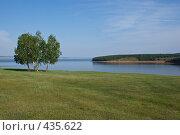 Купить «На берегу Ангары», фото № 435622, снято 19 июля 2008 г. (c) Виталий Попов / Фотобанк Лори