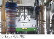 Купить «Автоколонна Балашиха», эксклюзивное фото № 435782, снято 14 августа 2007 г. (c) Дмитрий Неумоин / Фотобанк Лори