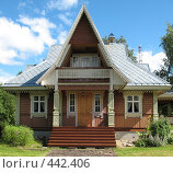 Купить «Деревянный дом в русском стиле», фото № 442406, снято 5 августа 2008 г. (c) Морковкин Терентий / Фотобанк Лори