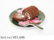 Купить «Рулет на блюде для торта», эксклюзивное фото № 451646, снято 10 сентября 2008 г. (c) Александр Щепин / Фотобанк Лори
