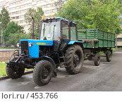 Трактор (2008 год). Редакционное фото, фотограф Лариса Дамьян / Фотобанк Лори