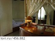 Купить «Интерьер номера в хижине на Мальдивах», фото № 456882, снято 21 ноября 2007 г. (c) Лев Сатаров / Фотобанк Лори