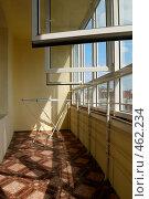 Купить «Интерьер лоджии с пластиковыми окнами в современной квартире», фото № 462234, снято 13 июля 2008 г. (c) Дмитрий Яковлев / Фотобанк Лори