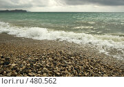 Купить «Галечный пляж. Город Коктебель», фото № 480562, снято 19 августа 2018 г. (c) Евгений Большаков / Фотобанк Лори