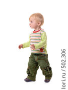 Купить «Годовалый малыш идет», фото № 502306, снято 8 октября 2008 г. (c) Лисовская Наталья / Фотобанк Лори