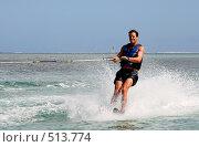 Купить «Улыбающийся мужчина на водных лыжах», фото № 513774, снято 30 апреля 2008 г. (c) Лариса Фокина / Фотобанк Лори