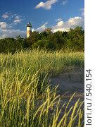 Маяк на побережье в солнечную погоду. Стоковое фото, фотограф Алексей Семенов / Фотобанк Лори