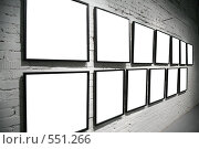 Купить «Рамки на стене», фото № 551266, снято 19 октября 2018 г. (c) Losevsky Pavel / Фотобанк Лори