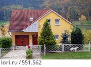 Купить «Частный дом на берегу озера (Венгрия)», фото № 551562, снято 22 октября 2008 г. (c) Елена Галачьянц / Фотобанк Лори