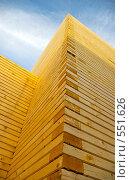 """Купить «Угол строящейся деревянной церкви методом """"без единого гвоздя""""», фото № 551626, снято 6 ноября 2008 г. (c) RedTC / Фотобанк Лори"""