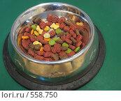 Сухой корм для котов. Стоковое фото, фотограф Anna Marklund / Фотобанк Лори