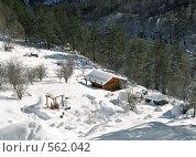 Купить «Святилище Реком, Цейское ущелье, Северная Осетия», фото № 562042, снято 21 мая 2018 г. (c) Rogal Anna / Фотобанк Лори