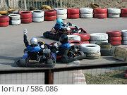 Затор на трассе (2008 год). Редакционное фото, фотограф Юлия Медведева / Фотобанк Лори