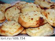 Купить «Картофельные пирожки», фото № 606154, снято 20 июля 2008 г. (c) Илья Телегин / Фотобанк Лори
