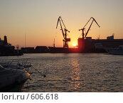 Морской порт (2007 год). Редакционное фото, фотограф Анастасия Иванова / Фотобанк Лори