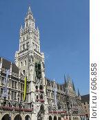 Купить «Новая Ратуша со знаменитыми часами. Мюнхен», фото № 606858, снято 28 июля 2008 г. (c) Светлана Кудрина / Фотобанк Лори