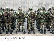 Купить «Солдаты перед парадом», фото № 610678, снято 18 ноября 2006 г. (c) Vladimirs Koskins / Фотобанк Лори