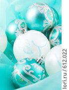 Купить «Рождественские украшения на зеленом фоне», фото № 612022, снято 5 декабря 2008 г. (c) Ольга Красавина / Фотобанк Лори