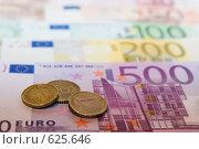 Купить «Купюры и монеты Евро», фото № 625646, снято 15 декабря 2008 г. (c) Игорь Соколов / Фотобанк Лори
