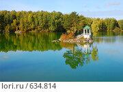 Беседка на горном озере. Стоковое фото, фотограф Юрий Бульший / Фотобанк Лори