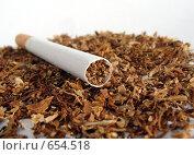 Купить «Сигарета», фото № 654518, снято 23 мая 2018 г. (c) Константин Порядин / Фотобанк Лори