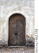 Дверь в старом замке (2008 год). Редакционное фото, фотограф Илларионов Андрей / Фотобанк Лори