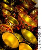 Посуда в стиле хохлома. Стоковое фото, фотограф Светлана Архи / Фотобанк Лори