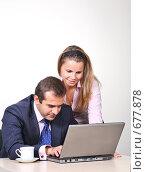 Купить «Коллеги: молодые бизнесмены в офисе», фото № 677878, снято 21 июля 2007 г. (c) Владимир Мельник / Фотобанк Лори