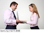 Купить «Коллеги: молодые бизнесмены в офисе», фото № 677898, снято 21 июля 2007 г. (c) Владимир Мельник / Фотобанк Лори