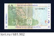 Купить «Банкнота ЮАР десять рандов на темно-синем фоне», фото № 681902, снято 15 августа 2018 г. (c) Александр Бурмистров / Фотобанк Лори
