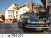 Купить «ГАЗ-21 в Болгарии», фото № 693306, снято 18 сентября 2007 г. (c) Китаев Олег Александрович / Фотобанк Лори