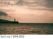 Восходя над маяком в Ялте. Стоковое фото, фотограф Валентин Шевченко / Фотобанк Лори