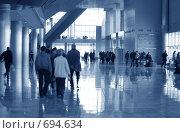 Купить «Холл современного здания», фото № 694634, снято 24 февраля 2008 г. (c) Литова Наталья / Фотобанк Лори