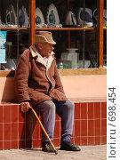 Пожилой мужчина (2008 год). Редакционное фото, фотограф Китаев Олег Александрович / Фотобанк Лори