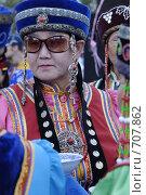 Купить «Женщина в бурятской национальной одежде», фото № 707862, снято 11 июля 2008 г. (c) Александр Подшивалов / Фотобанк Лори