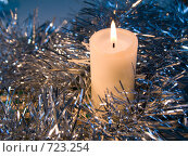 Купить «Горящая свеча. Новогодняя тема», фото № 723254, снято 26 февраля 2009 г. (c) Кирпинев Валерий / Фотобанк Лори